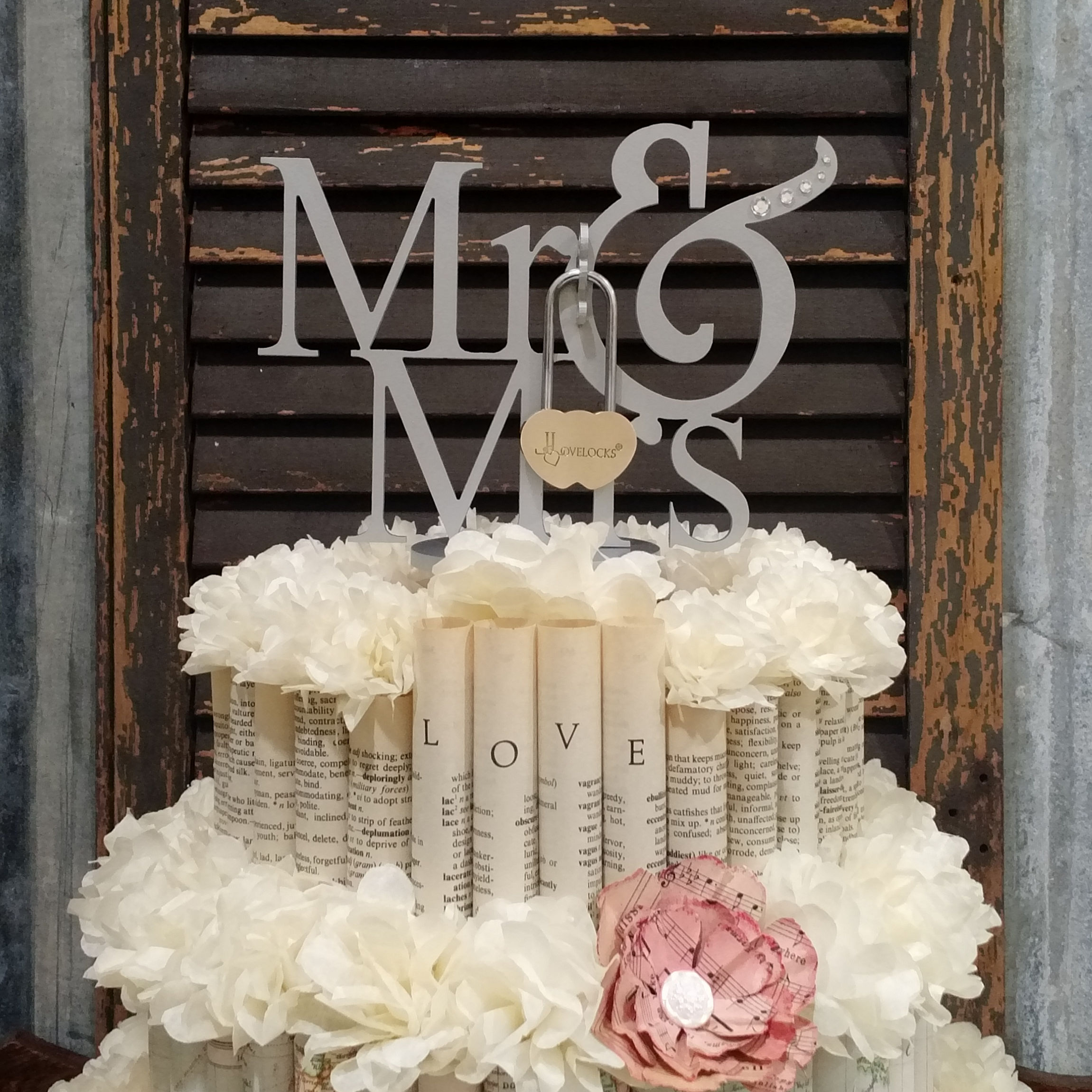 LoveLocks Mr Mrs Cake Topper Lovelocks