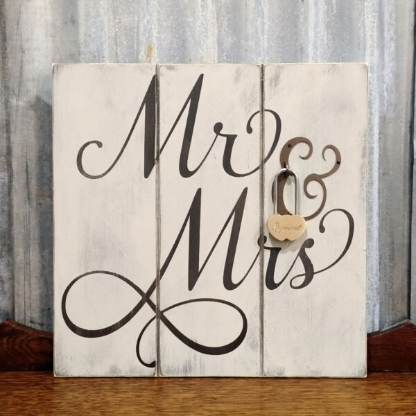 Mr & Mrs wedding